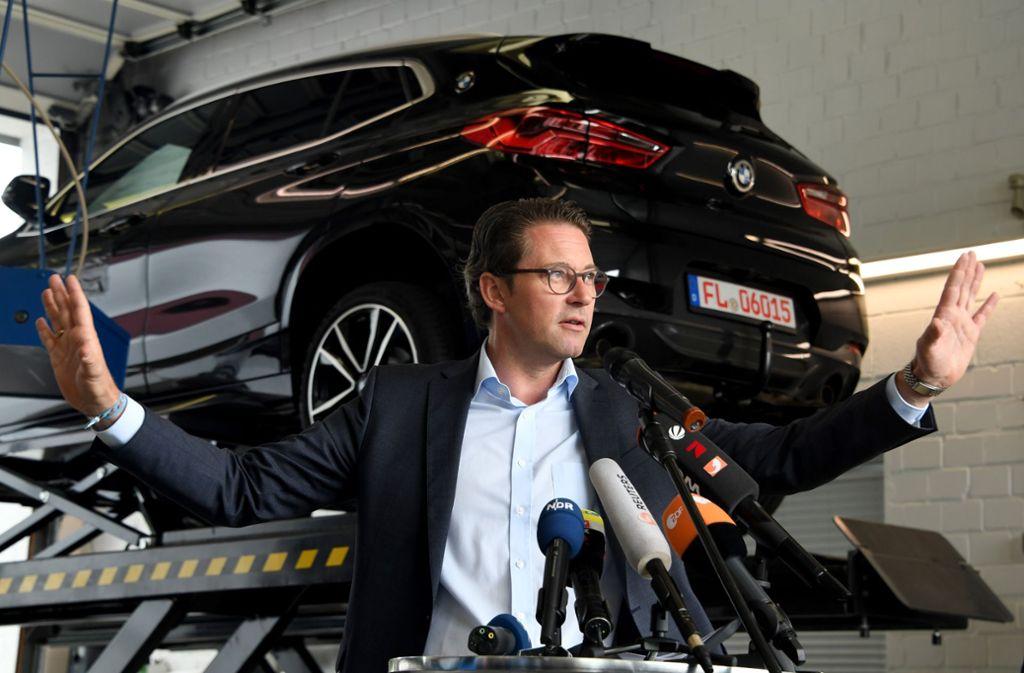 Verkehrsminister Andreas Scheuer kündigte ein neues Konzept zu Nachbesserungen an älteren Diesel-Fahrzeugen an. Foto: dpa