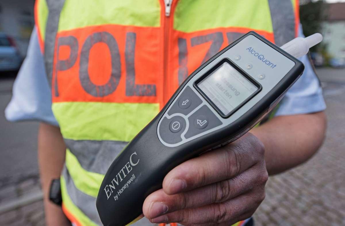 Zwei Mal an einem Wochenende musste ein Fahrer  in Filderstadt blasen (Symbolbild). Foto: picture alliance / dpa/Patrick Seeger