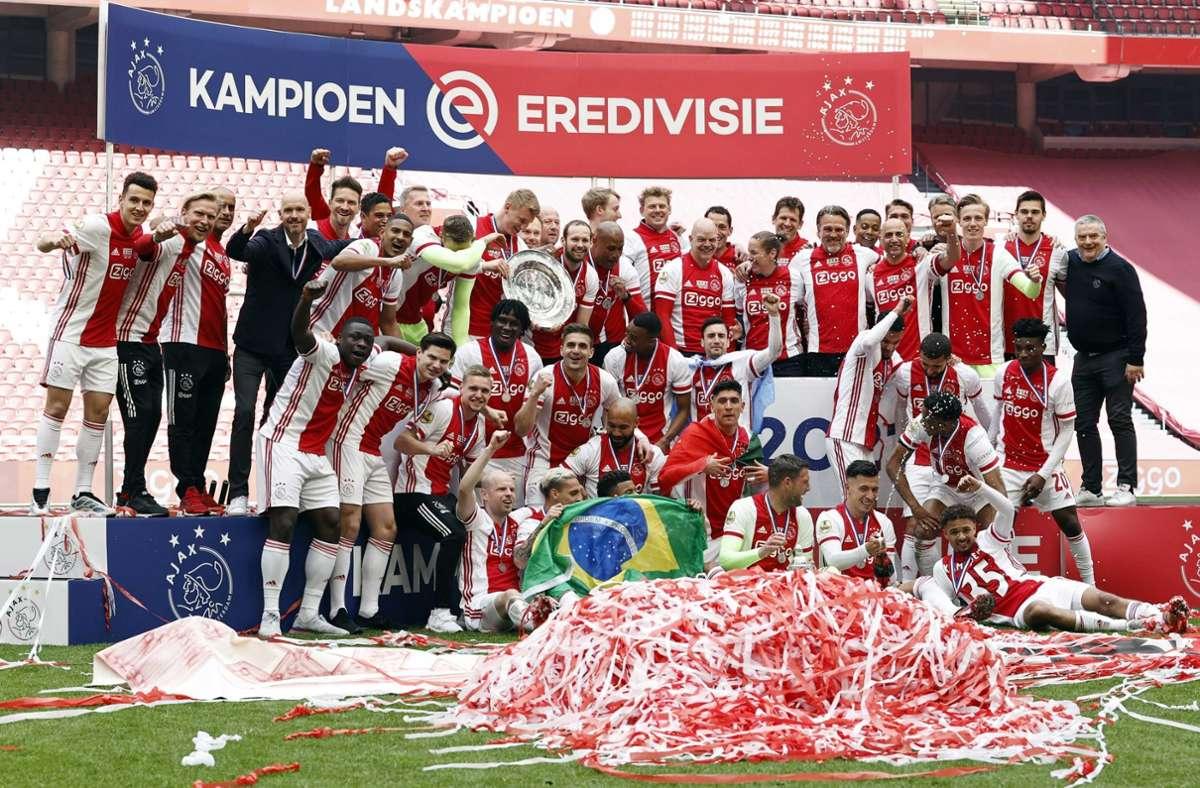 Ajax ist in der vergangenen Woche zum 35. Mal Meister der niederländischen Eredivisie geworden. Foto: dpa/Maurice Van Steen