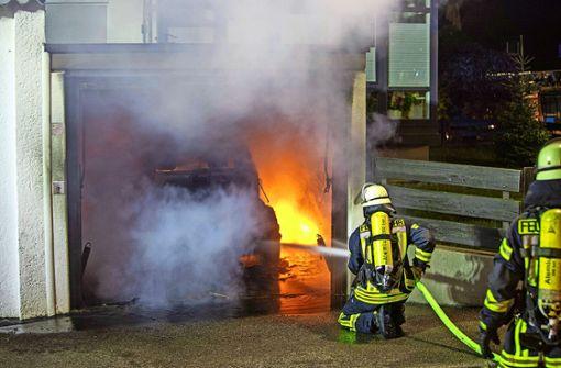 Wenn das E-Fahrzeug in der Garage Feuer fängt