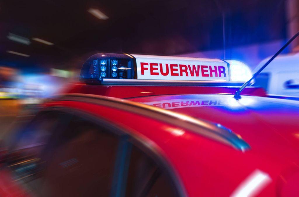Die Feuerwehr ist am Montag wegen eines brennenden Autos ausgerückt. Foto: 7aktuell.de/Gruber