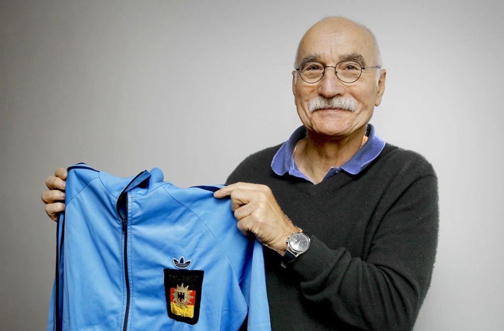 Die Trainingsjacke mit dem Emblem für die Europameisterschaften. Foto: Lg/Piechowski