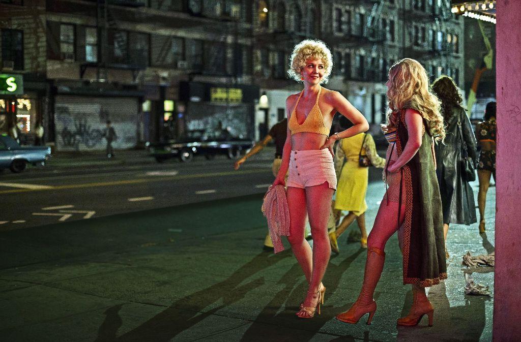 Eileen Merrell (Maggie Gyllenhaal) nennt sich Candy, wenn Sie rund um den Times Square nach Freiern Ausschau hält Foto: HBO
