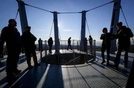 Viele, aber nicht zu viele Touristen am Turm