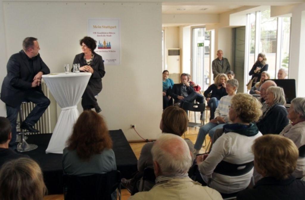 Bettina Wilhelm erzählte im Gespräch mit dem StZ-Lokalchef Holger Gayer, dass sie in keinem Fall ihre Kandidatur zurückziehen will. Foto: Faktum/ Weise