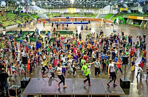 1300 Kinder beim Super Dance