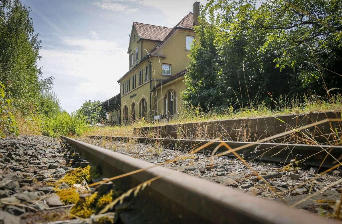 Der stillgelegte alte Markgröninger Bahnhof. Foto: factum//Simon Granville
