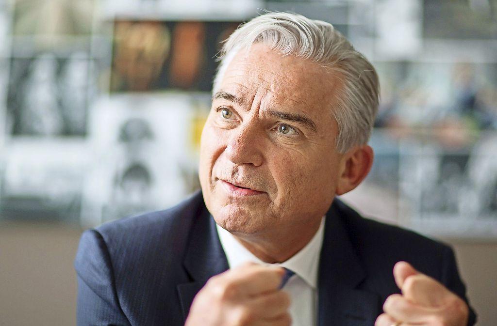 """Für Innenminister Thomas Strobl hat Hamburg gezeigt, dass """"das Gerede vom Linksextremismus als überschätztem Phänomen schlicht grottenfalsch"""" sei. Foto: dpa"""