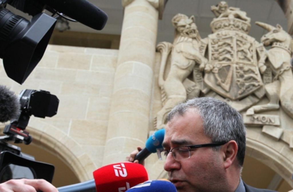 Zyperns Notenbankchef Panicos Demitriadis verspricht ein Rettungsprogramm Foto: dpa