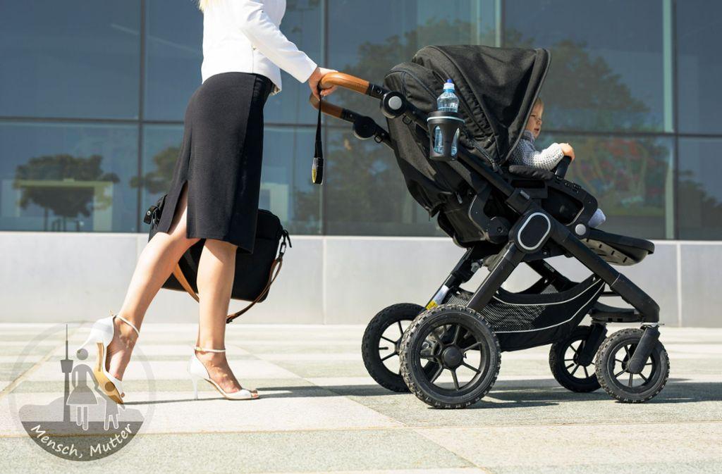 Baby oder Beförderung? Unsere Autorin fragt: Wann ist eigentlich der richtige Zeitpunkt fürs Kinderkriegen? Foto: Adobe Stock/Kaspars Grinvalds