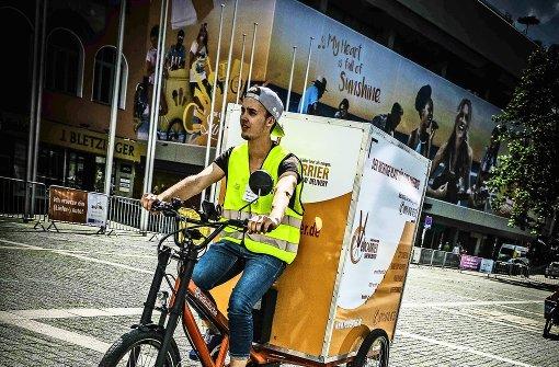 Lastwagen mit Sattel und Pedal