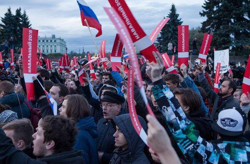 Petersburger trotzen Protest-Verbot und der Polizei