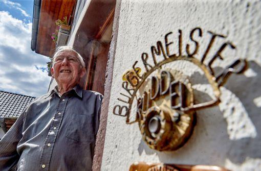 Deutschlands ältester Bürgermeister geht mit 94 in Ruhestand