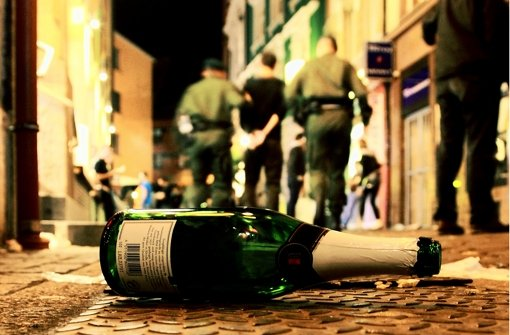 Saufgelage in der Öffentlichkeit will Kretschmann verhindern. Foto: dpa