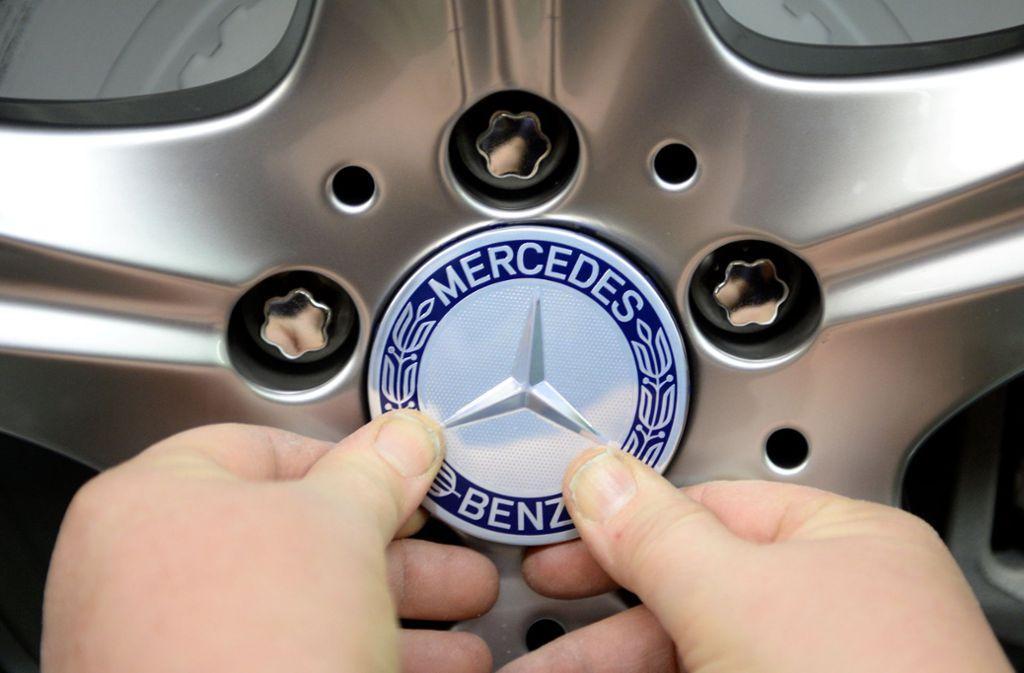 Der Stuttgarter Autobauer Daimler rechnet mit einem Wachstum auf dem chinesischen Automobilmarkt. Foto: dpa