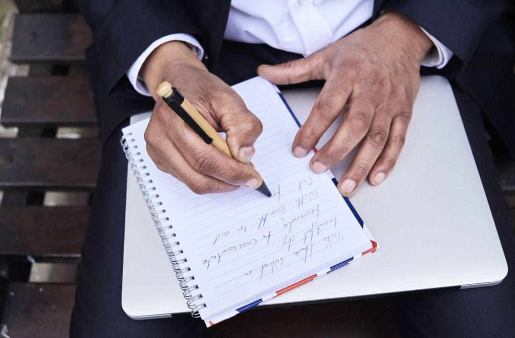 Wer nicht mehr selbst schreiben kann, findet künftig Hilfe bei der Technik Foto: www.imago-images.de/Ivan Gener