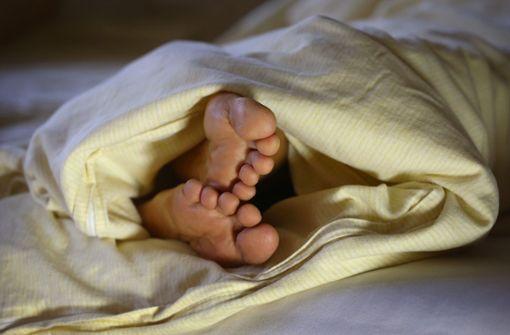 Das Bett teilende Paare schlafen laut Studie besser