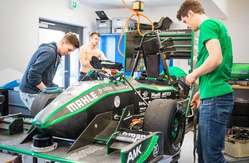 Studierende tüfteln an autonomem Rennwagen
