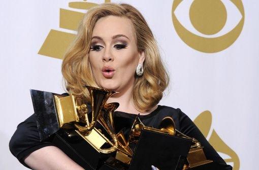Sängerin Adele behauptet Platz 1