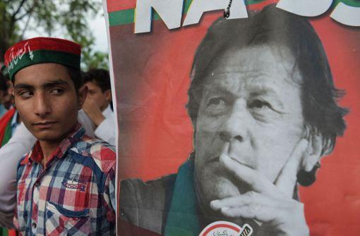 Imran Khan erklärt sich zum Sieger