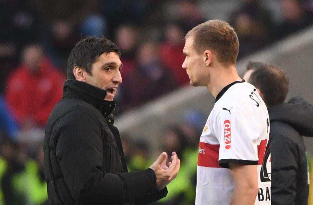 Tayfun Korkut und Holger Badstuber treffen mit dem VfB Stuttgart auf Eintracht Frankfurt. Foto: dpa