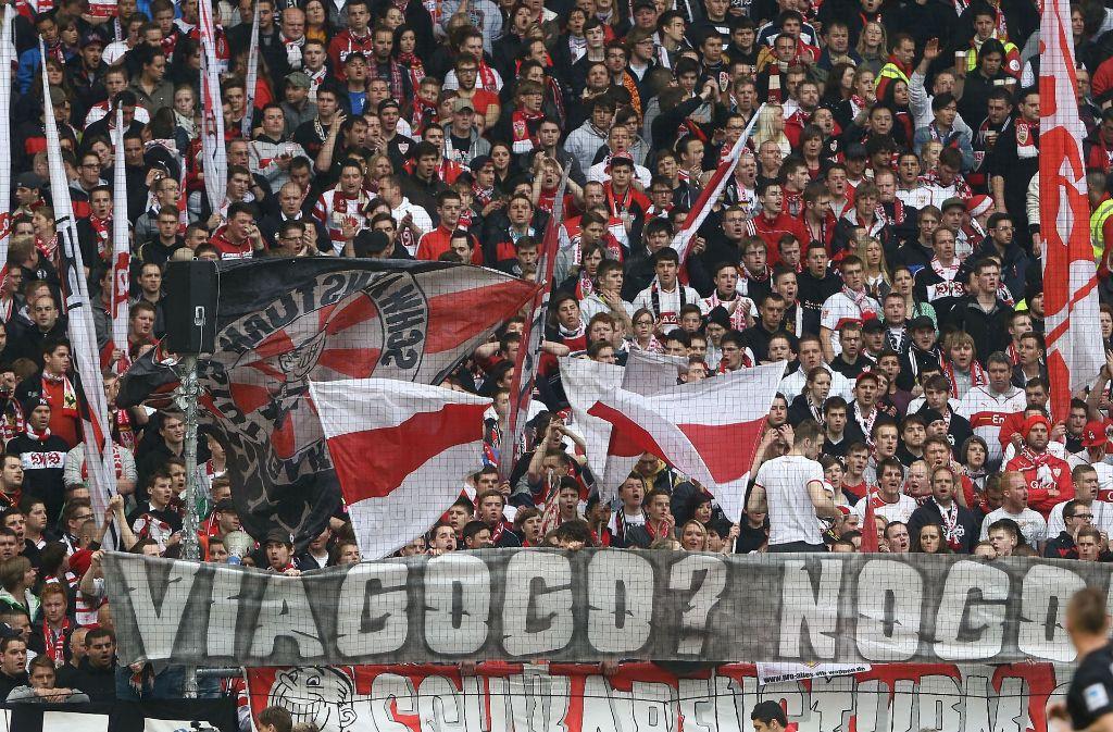 Die Ticket-Börse Viagogo ist den Fans des VfB Stuttgart schon länger ein Ärgernis. Vor dem Derby gegen den KSC zeigt sich nun wieder, warum dem so ist. Foto: Pressefoto Baumann