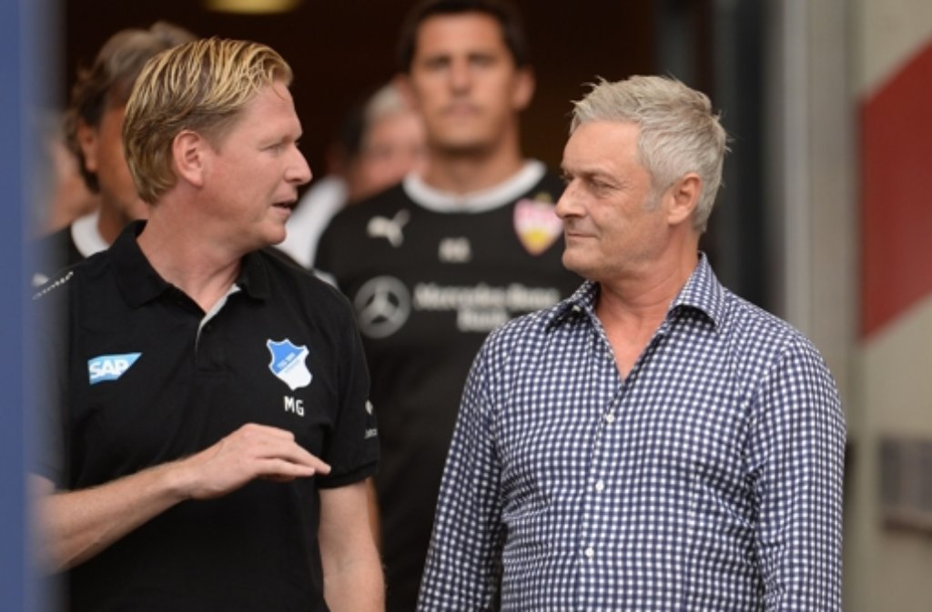 Es ist schöner 2:0 zu gewinnen, als spektakulär 3:3 zu spielen.Hoffenheims Trainer Markus Gisdol (links, mit VfB-Coach Armin Veh) über das 2:0 beim VfB Stuttgart. In der vergangenen Saison hatte die TSG zwar oft unterhaltsame Spiele geliefert, aber nicht effektiv agiert. Foto: dpa