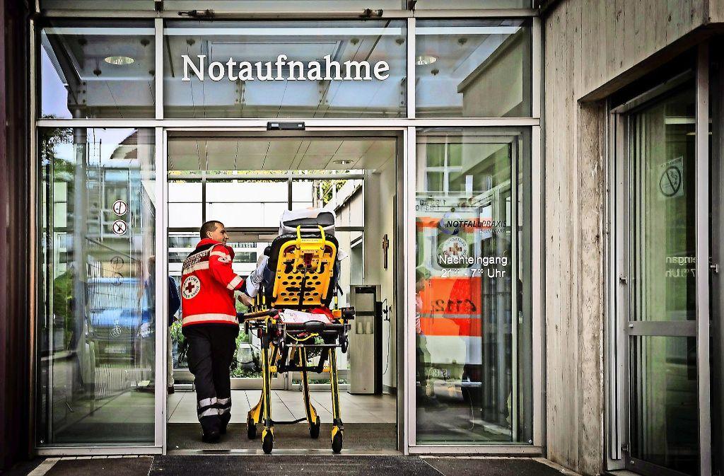 Tatort Notaufnahme: Die Übergriffe aufs Personal nehmen zu. Foto: Lichtgut/Achim Zweygarth