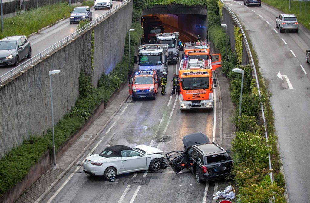 Auf der B295 sind am Mittwochmorgen zwei Autos ineinander gekracht. Foto: 7aktuell.de/Simon Adomat
