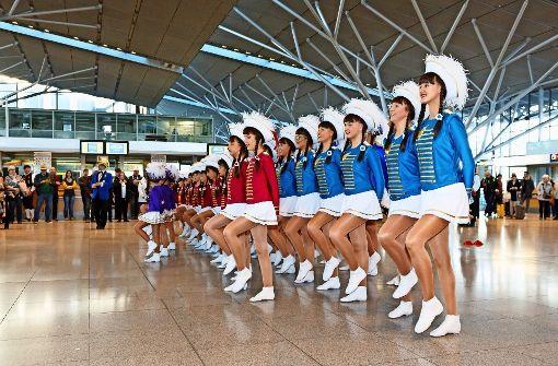 Da tanzen die Narren auf dem Flughafen
