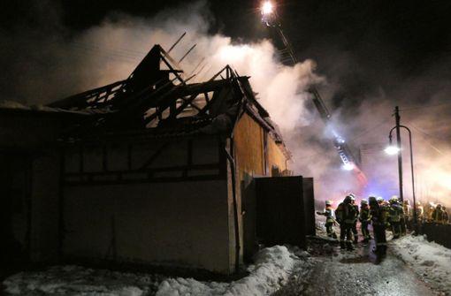 Mindestens 200.000 Euro Schaden bei Brand eines alten Bauernhauses