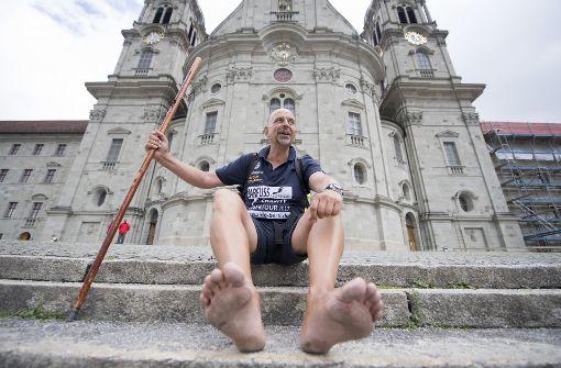 Barfussläufer Aldo Berti knackt Weltrekord