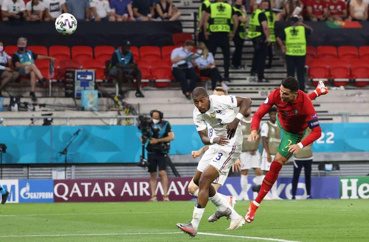 Cristiano Ronaldo zeigt gegen Frankreich sein Können. Foto: AFP/BERNADETT SZABO