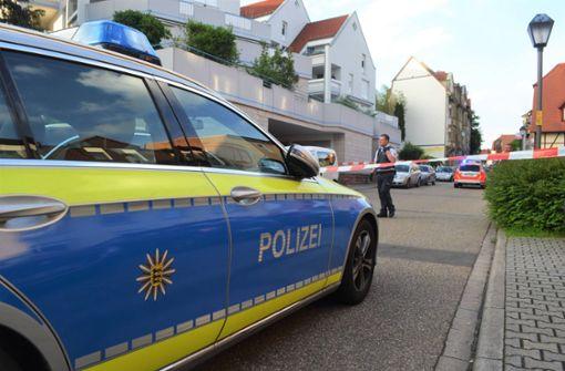 Frau stirbt nach Messerangriff - Ehemann festgenommen