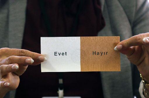 Rund die Hälfte der Türken in Deutschland wählt