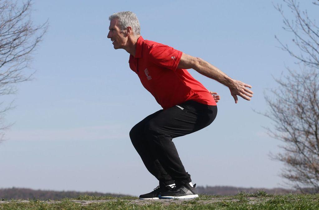 Dieter Bubeck zeigt die vierte Übung unserer Trainingsreihe Foto: Baumann
