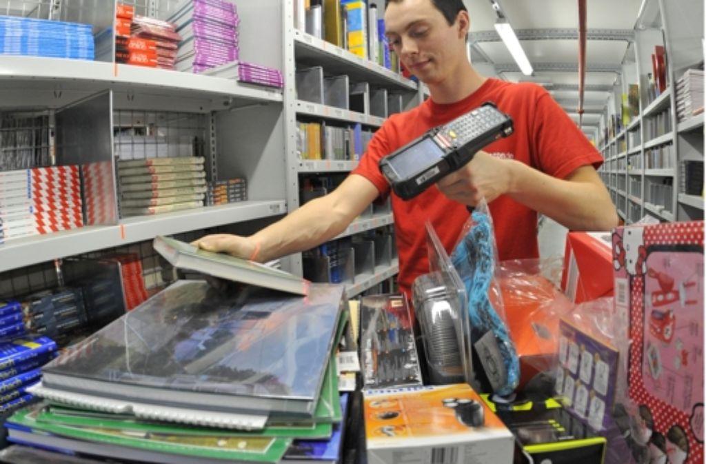 Auch der Versandbuchhandel macht eingesessenen Geschäften das Leben schwer. Foto: dpa