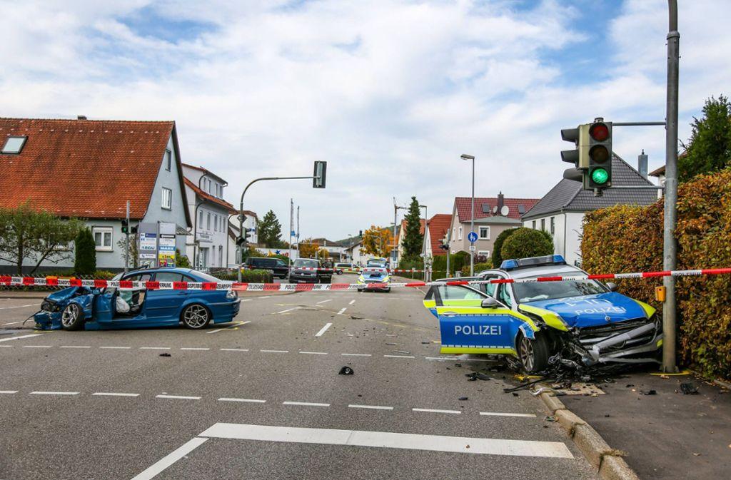 Der Streifenwagen befand sich zum Zeitpunkt des Unfalls im Einsatz. Foto: 7aktuell.de/Christina Zambito