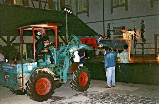 Der Dirigent fährt Traktor