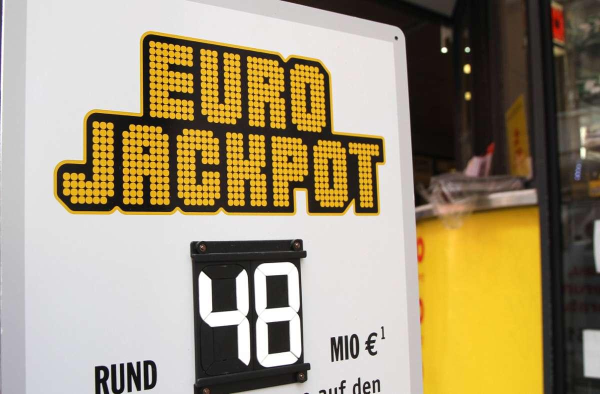 Eine Frau gewinnt 48 Millionen Euro im Lotto (Symbolbild). Foto: imago images/Eibner/Fleig / Eibner-Pressefoto