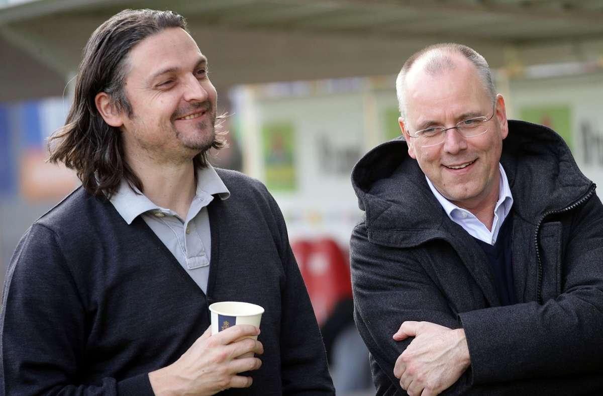 Lutz Pfannenstiel (li.) in seiner Zeit als Sportvorstand von Fortuna Düsseldorf mit  Thomas Röttgermann, dem Vorstandsvorsitzenden des Clubs. Foto: Baumann