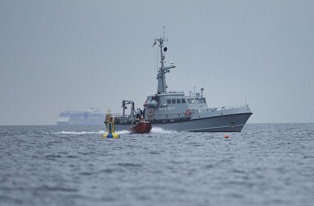 """Am Samstag begannen Bemühungen, die """"Nautilus"""" zu heben. Foto: Ritzau Foto/AP"""
