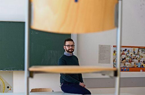 Vertretungslehrer weiterhin sechs Wochen ohne Bezahlung