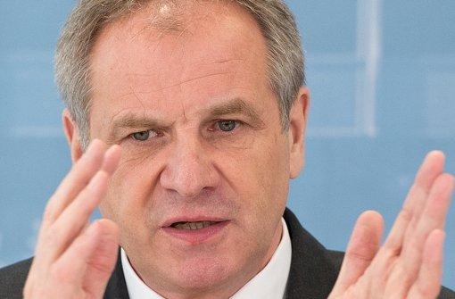 Polizisten  verärgert über Innenminister Gall