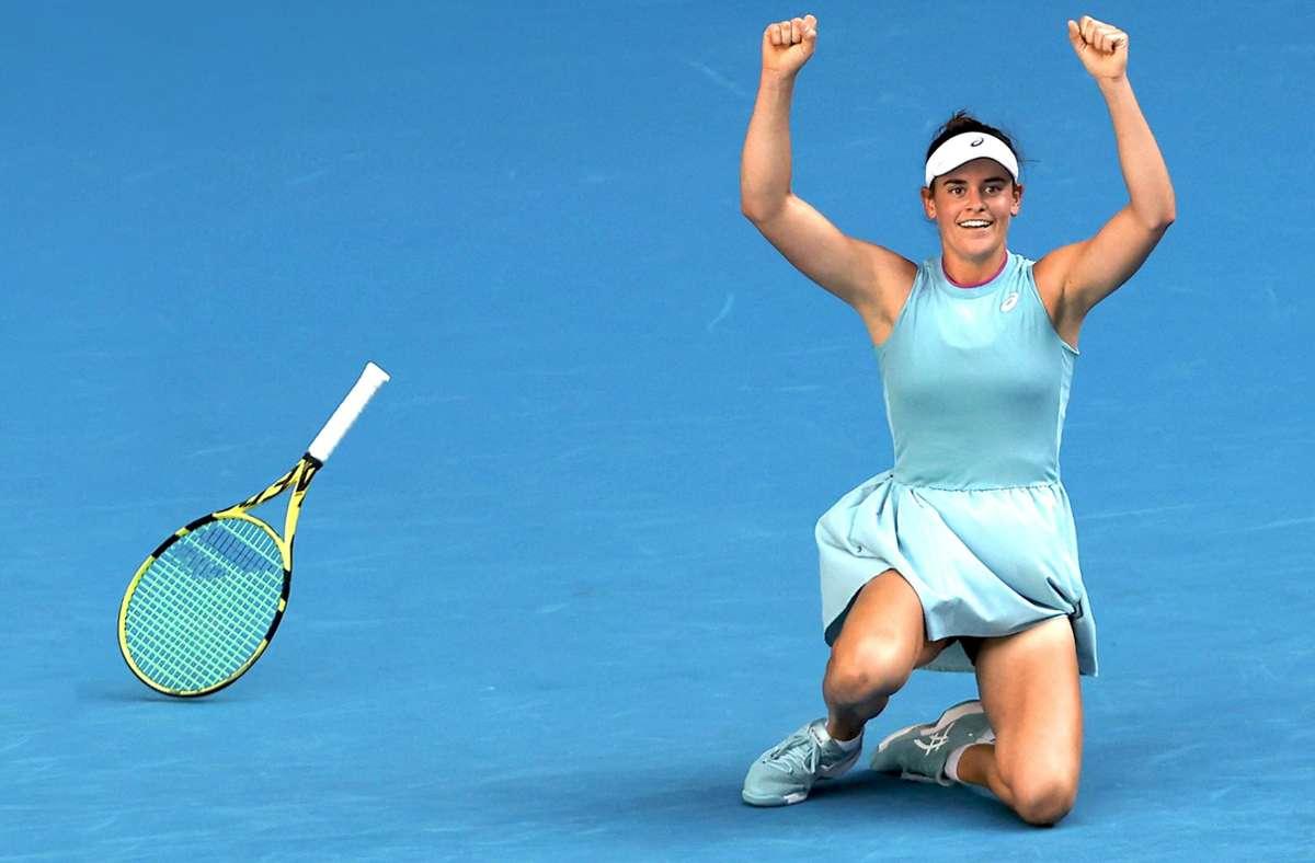 Der Schläger fliegt noch durch die Luft – und Jennifer Brady freut sich über ihren Sieg im Halbfinale der Australian Open über die Tschechin  Karolina Muchova. Foto: AFP/BRANDON MALONE