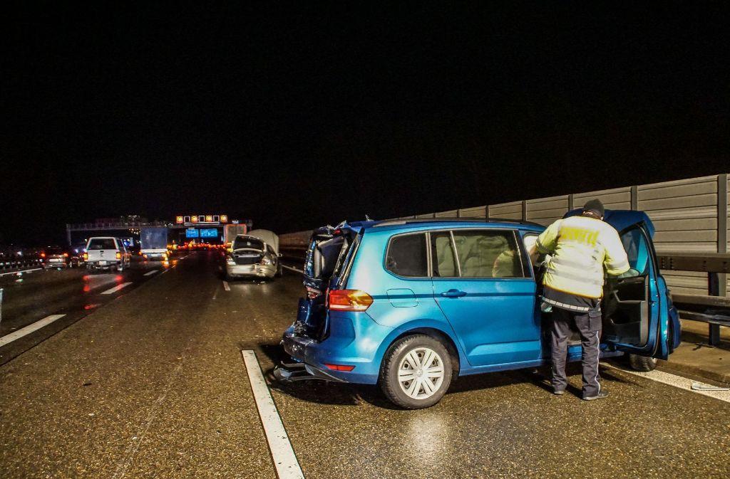 Der Schaden an den beiden Autos ist beträchtlich. Foto: SDMG