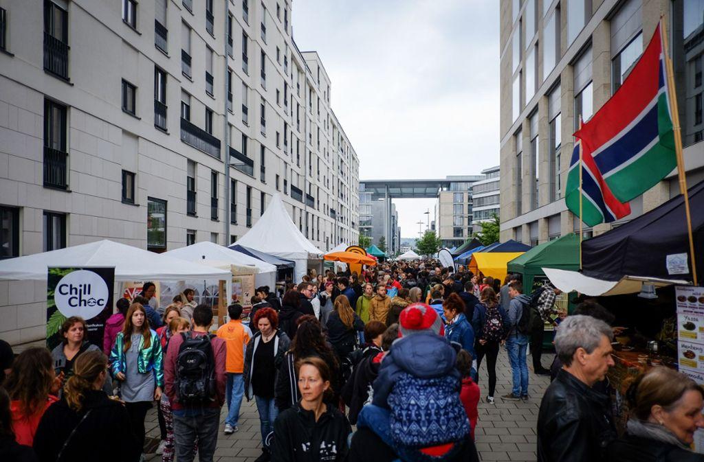 Trotz des neuen Standorts im Europaviertel strömten auch in diesem Jahr die Besucher zum Vegan Street Day in Stuttgart. Foto: Lichtgut/Max Kovalenko