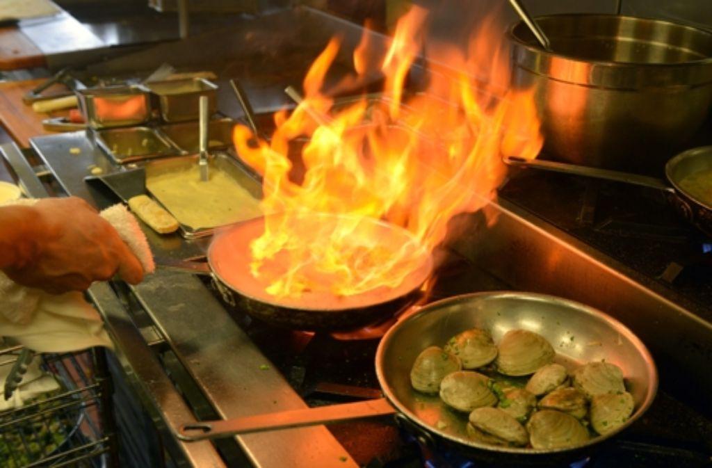 In der Küche kann es heiß her gehen. Foto: picture alliance