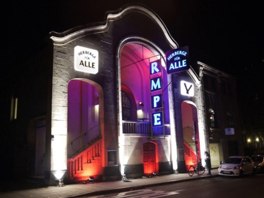 Bald kommt internationaler Besuch ins Theater Rampe. Dafür werden noch Unterkünfte für die Vagabunden gesucht. Foto: Lucia Obst, Gestaltung: www.studiopanorama.de