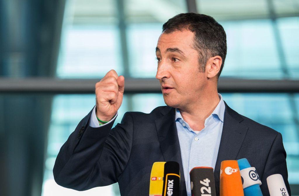 """""""Wir haben die ersten Schritte gemacht, jetzt erwarten wir auch Bewegung von den anderen"""", sagte Özdemir im Interview. Foto: dpa"""